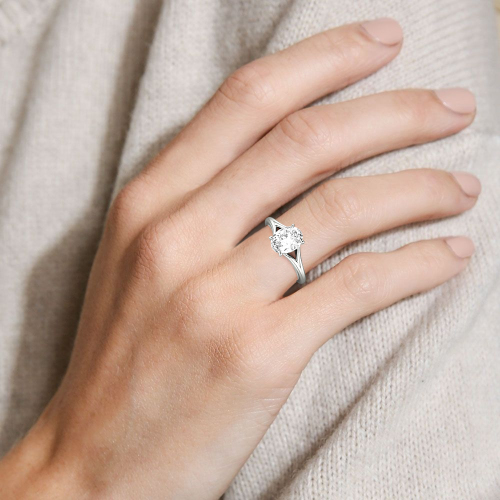 Jeulia Moissanite Oval Cut Solitaire Gold Ring