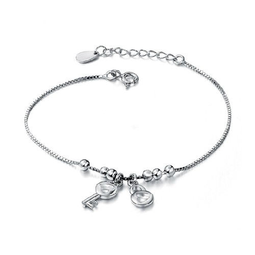 Buy Jeulia Charming Heart Design Lock and Key Bracelet, JEBF0030 for $59.00 in Jeulia store