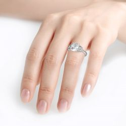 Leaf Design Cushion Cut Sterling Silver Ring