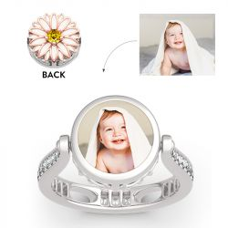 """Jeulia """"Blooming Daisy"""" Sterling Silver Personalized Photo Ring (With A Free Chain)"""