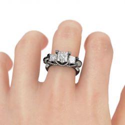 Jeulia Three Stone Princess Cut Sterling Silver Skull Ring