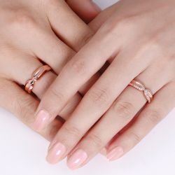 Rose Gold Tone Round Cut Sterling Silver Band Set